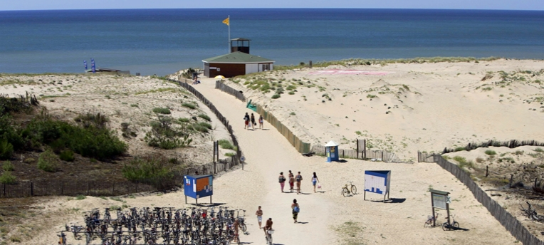 Nude beach chm montalivet for Camping berck sur mer avec piscine